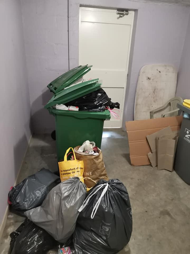 Photo local poubelles