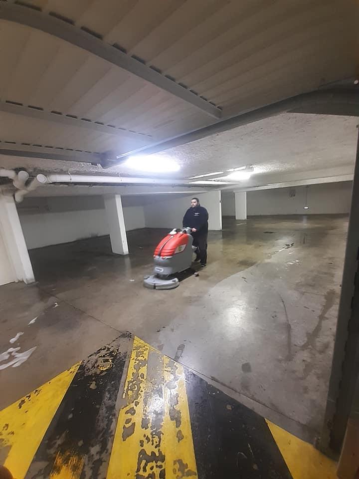 Photo nettoyage parking souterrain